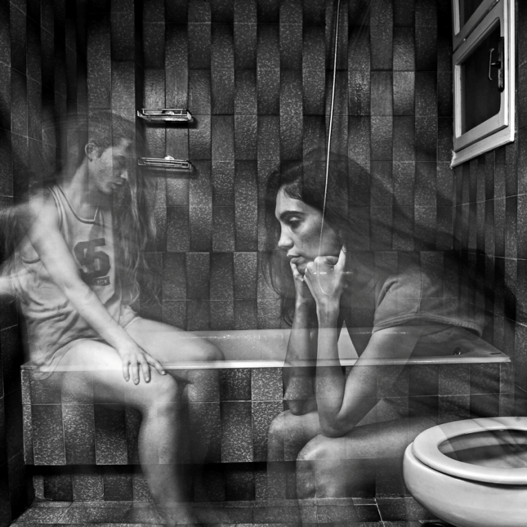 Loula Bathroom Session photo by Karol Jarek 5
