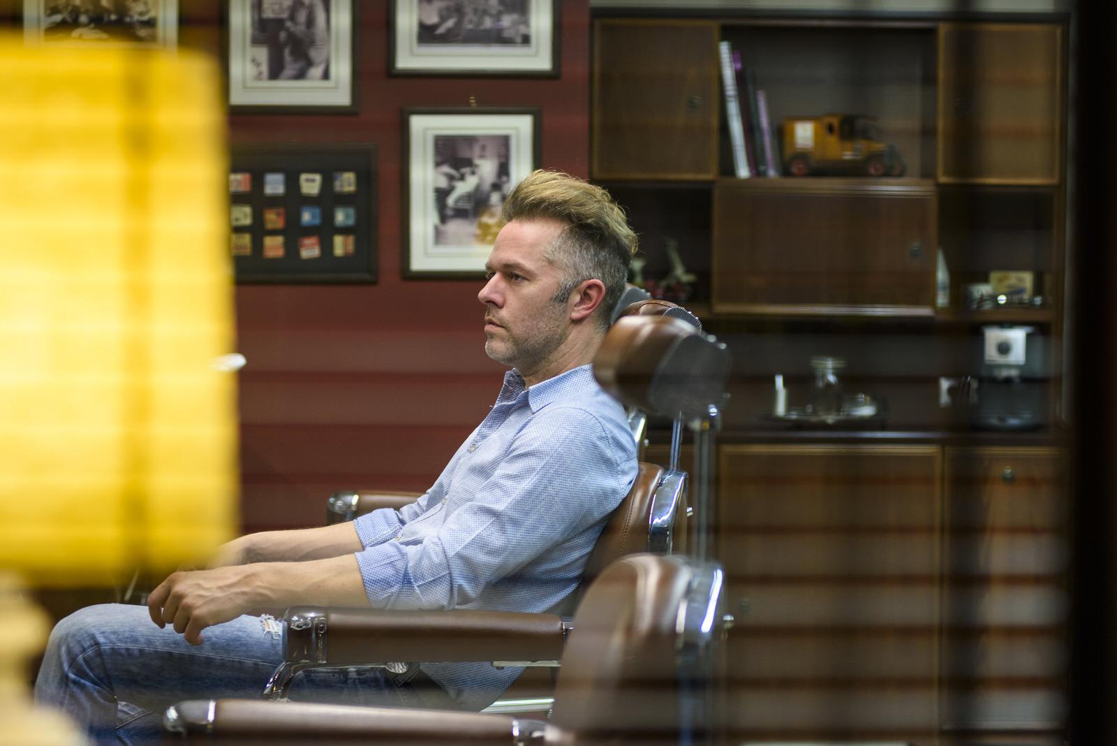 Loulis Chris chair8