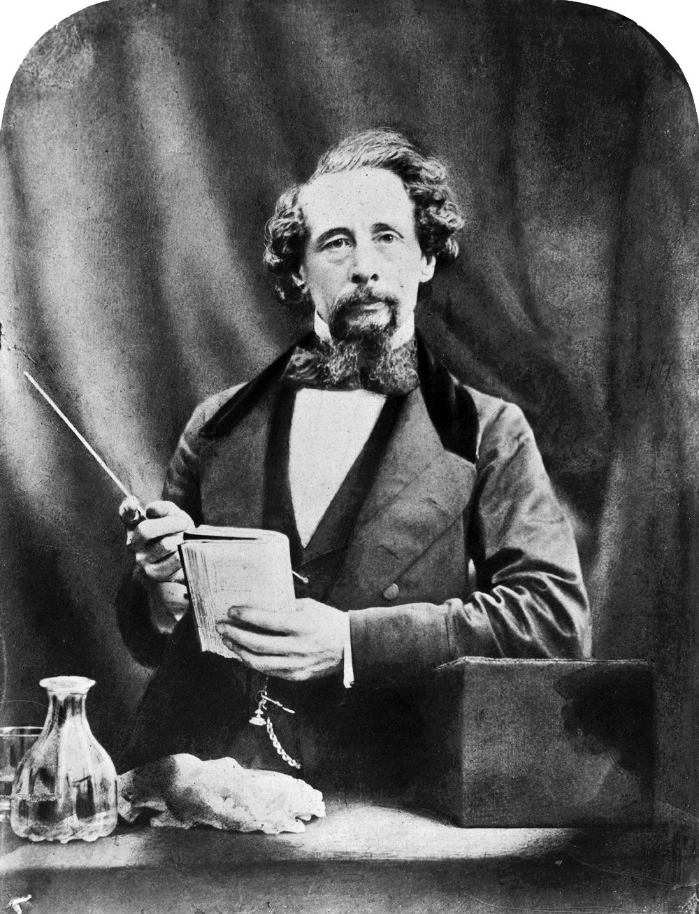 2006BB2609 charles dickens photograph