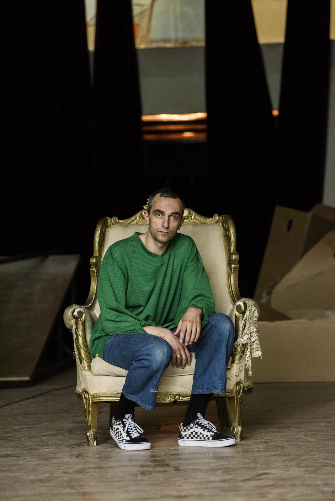 Servetalis Aris chair2