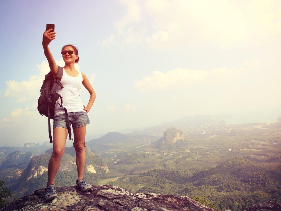 BIG 3 3 mountain selfie death in hon