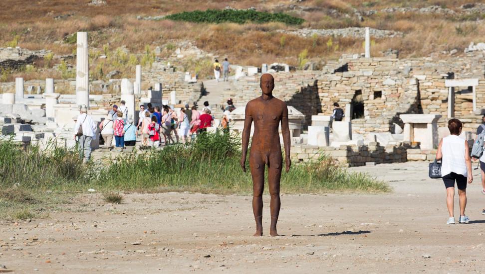 Sight, Antony Gormley, Αρχαιολογικός Χώρος Δήλου, φωτογραφία: Ναταλία Τσουκαλά