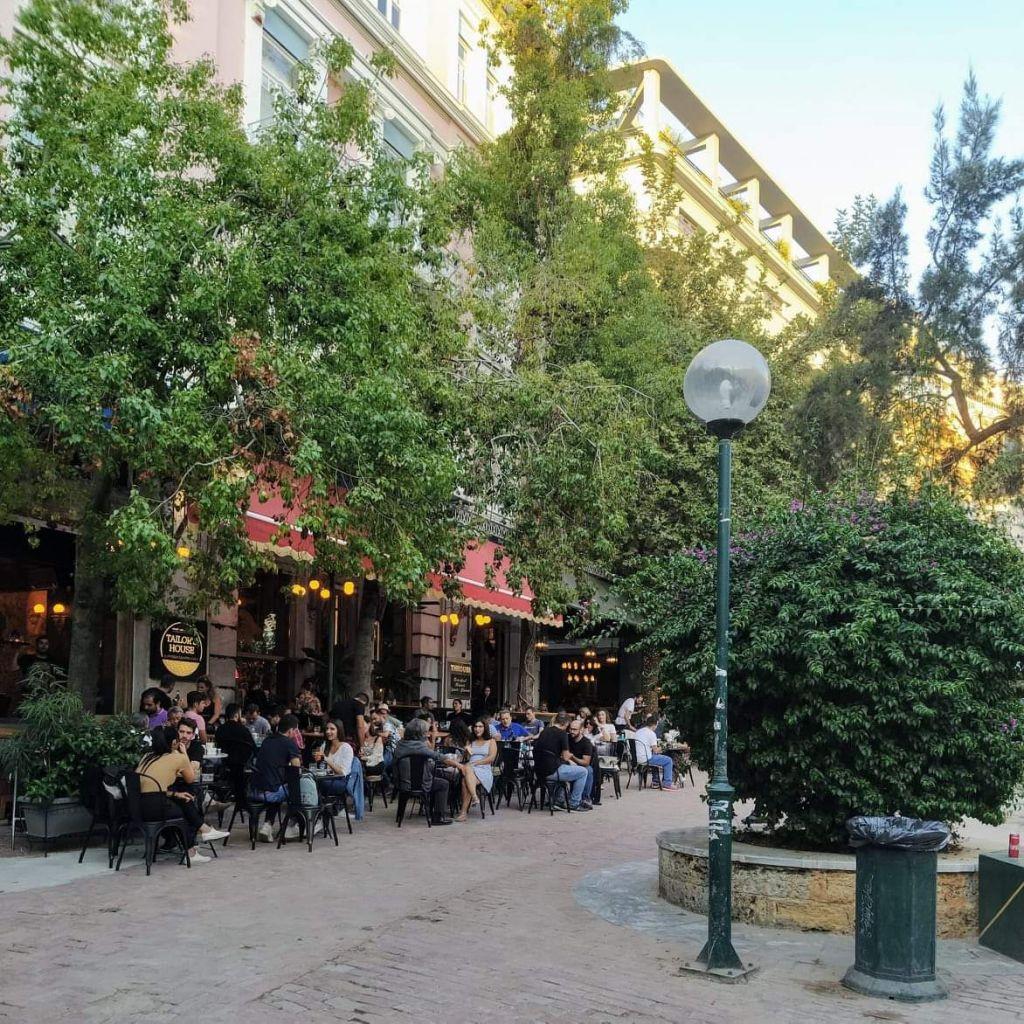 Η πλατεία Αγίας Ειρήνης, φωτογραφία για το monopoli.gr