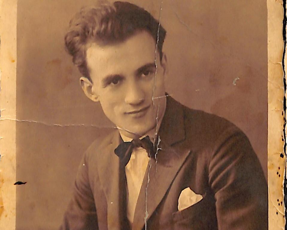 Φωτογραφία του Νίκου Σκαλκώτα. Απεικόνιση του συνθέτη την περίοδο των σπουδών και της διαμονής του στο Βερολίνο (1927-1933)