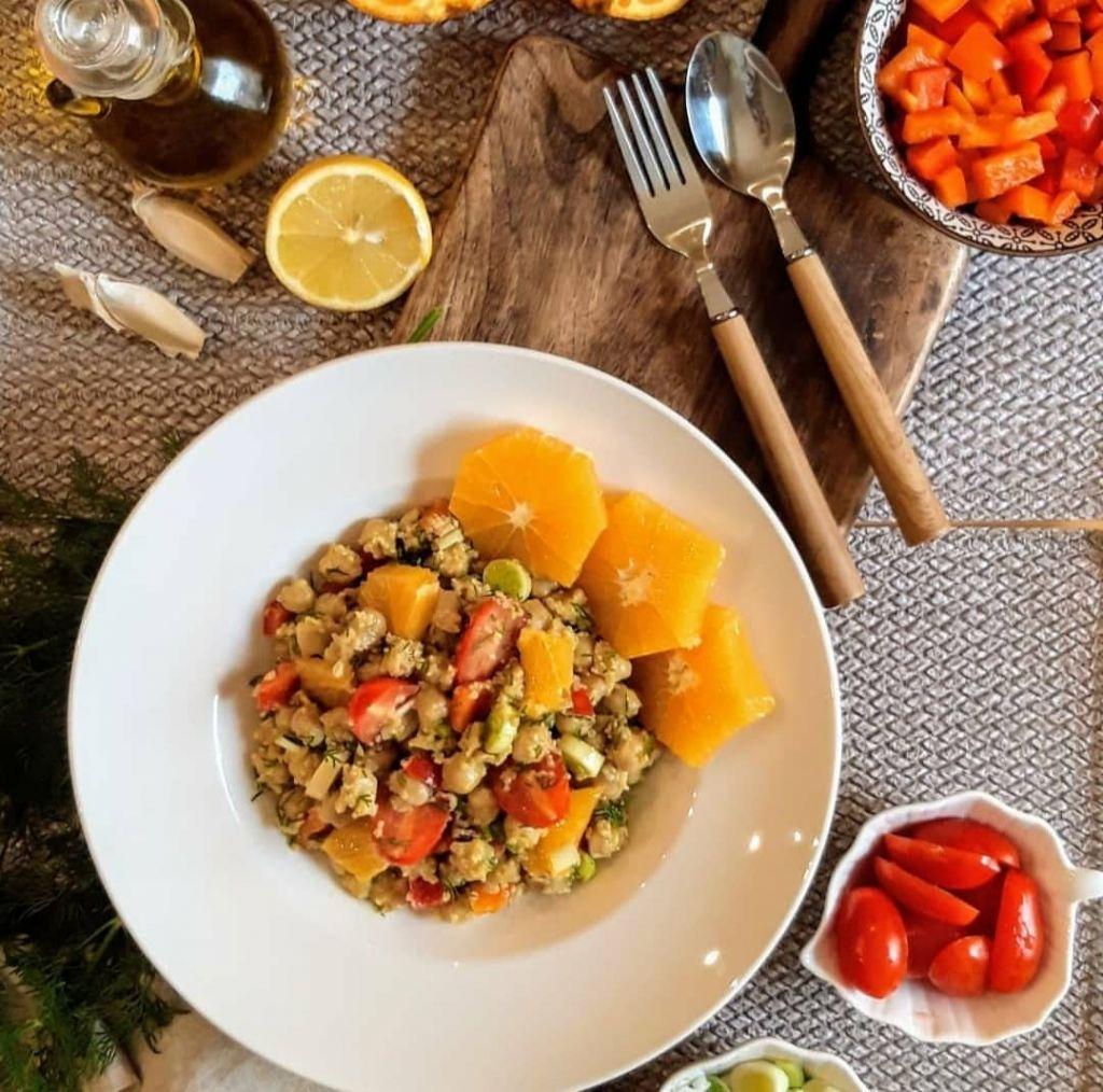 Σαλάτα με Ρεβίθια και Κινόα
