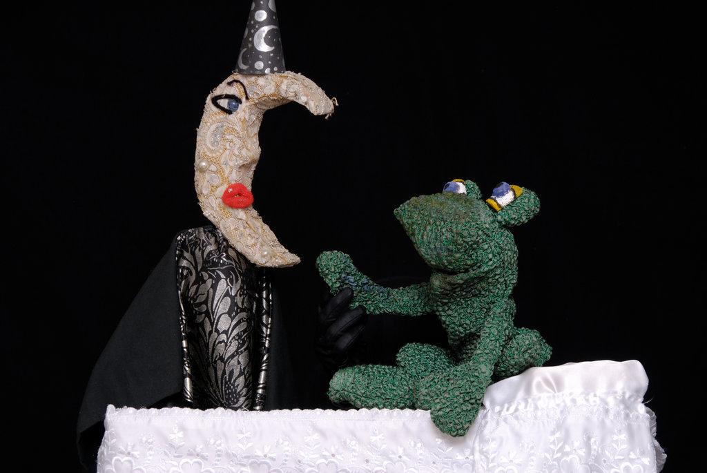 Παράσταση: Η Πριγκήπισσα Ροζελίνα και ο βάτραχος