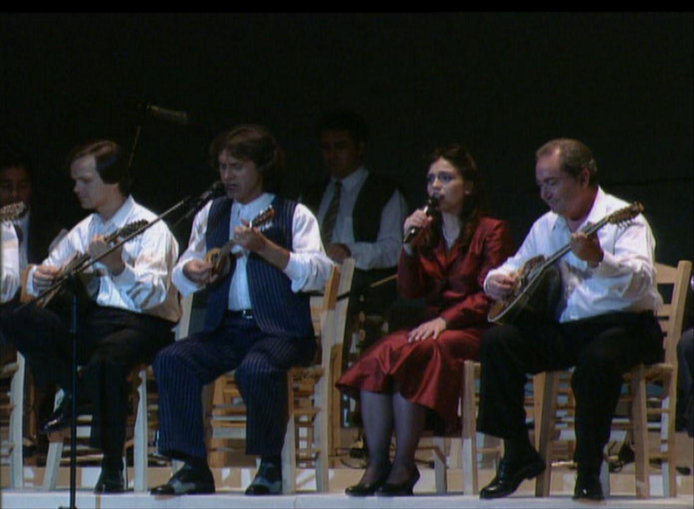 μουσική παράσταση με τον Γιώργο Νταλάρα