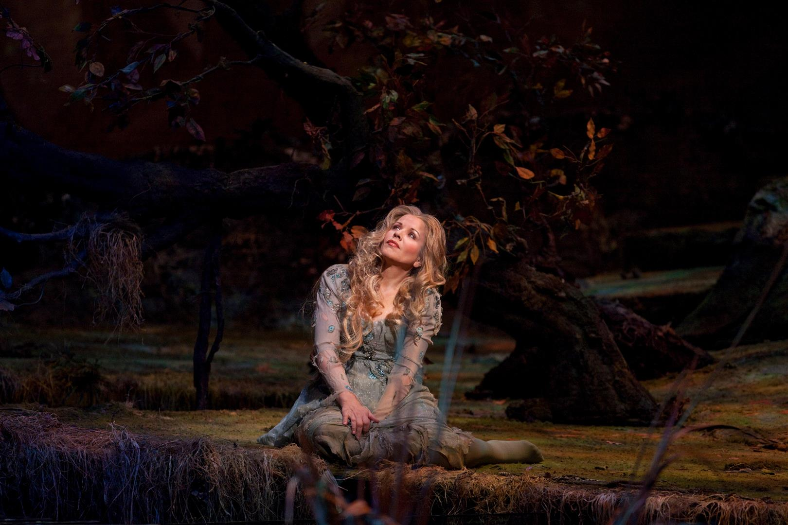 Rusalka-Renιe-Fleming-in-the-title-role-2-photo-by-Ken-Howard