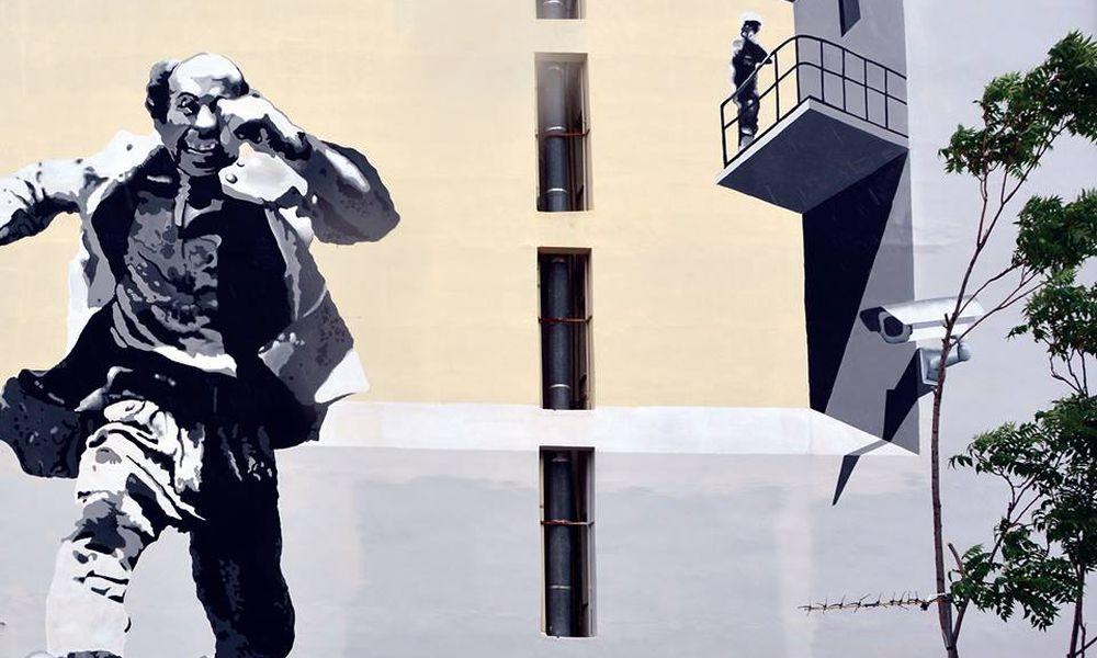 """Ο Θανάσης Βέγγος """"τρέχει"""" στην Πάτρα σε ένα γκράφιτι-φόρο τιμής στον σπουδαίο ηθοποιό"""