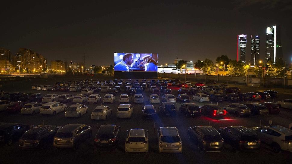 Η επιστροφή του Drive In: Σινεμά και συναυλίες στην εποχή του ...