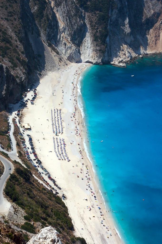 Η συγκλονιστική παραλία της Κεφαλονιάς, Μύρτος
