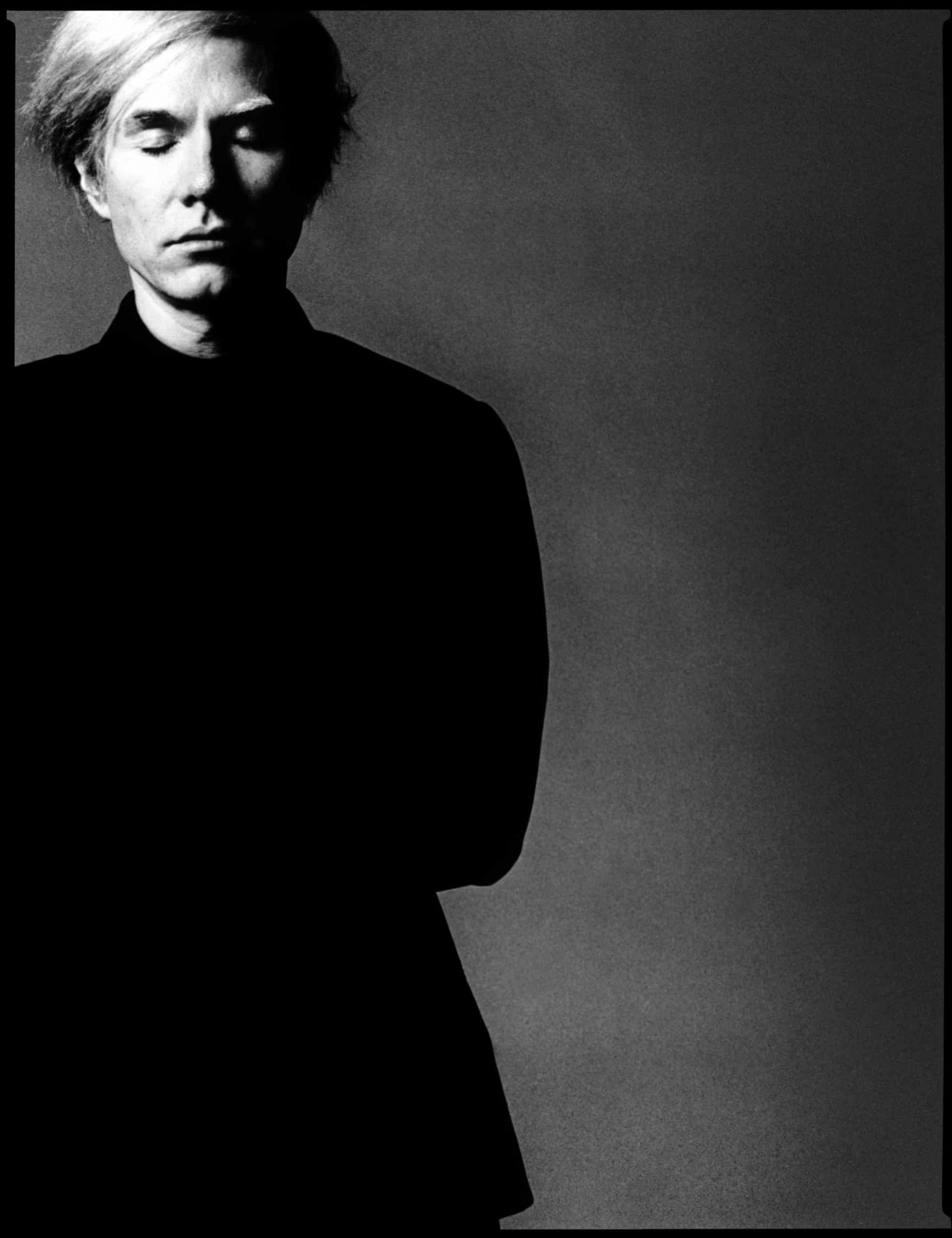 Ο Άντι Γουόρχολ με μαύρο ζιβάγκο το 1972