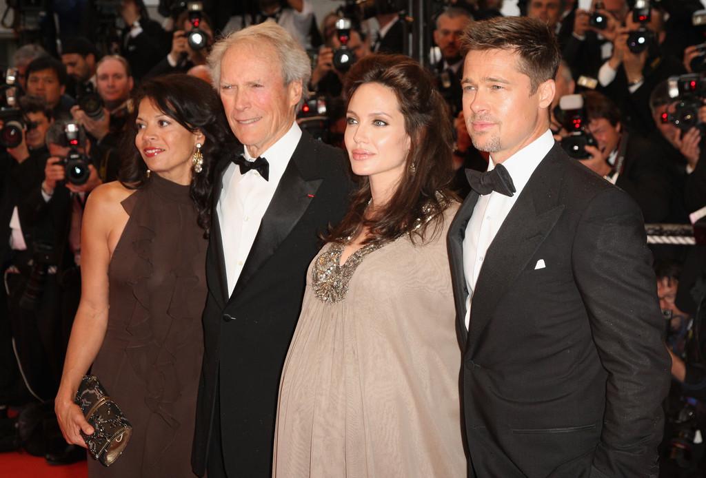 Ο Κλίντ Ίστγουντ με την Αντζελίνα Τζολί και τον Μπράντ Μπιτ στο Φεστιβάλ Καννών