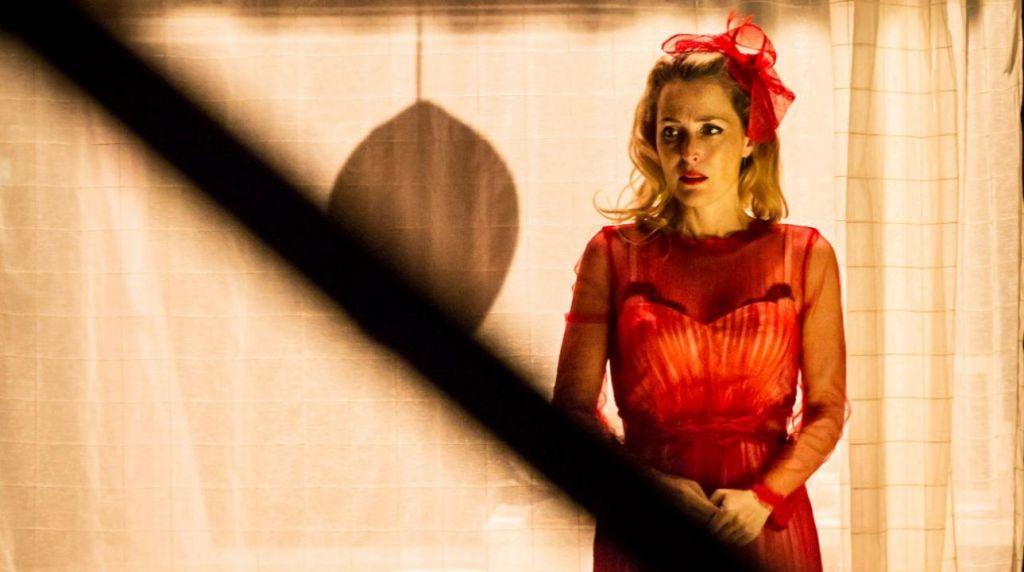 Εθνικό Θέατρο Αγγλίας: Δείτε online την παράσταση «Λεωφορείον ο ...