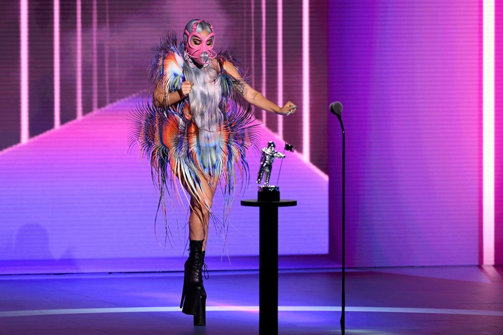 Μεγάλη νικήτρια της βραδιάς η Lady Gaga.