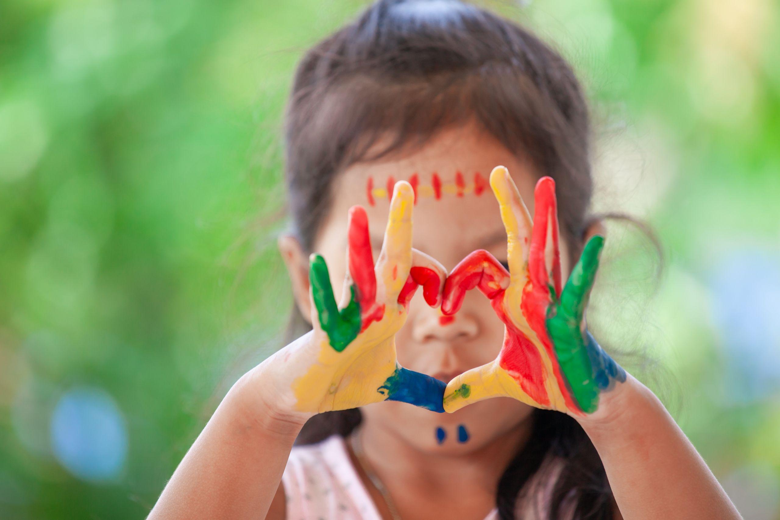 Ίδρυμα Θεοχαράκη: Ανακαλύπτοντας τις τέχνες - Για παιδιά 2-4 ετών
