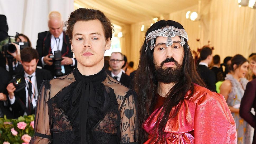Ο Harry Styles με τον Alessandro Michelle που θα παρουσιάσει την κολεξιόν του στο GucciFest