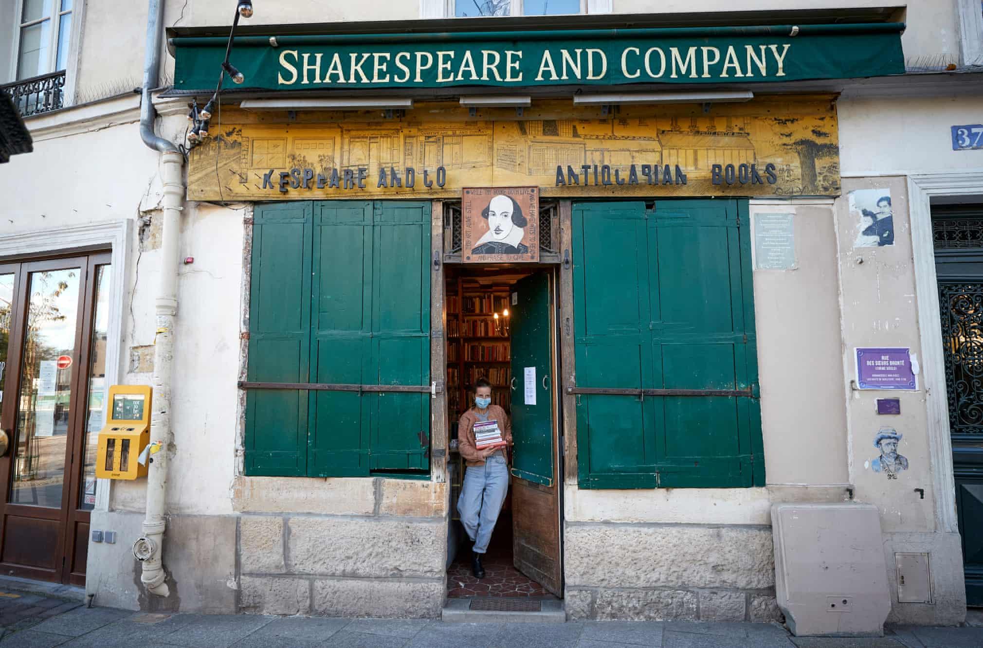 Shakespeare and Company: Το βιβλιοπωλείο αντιμέτωπο με τον κορονοϊό