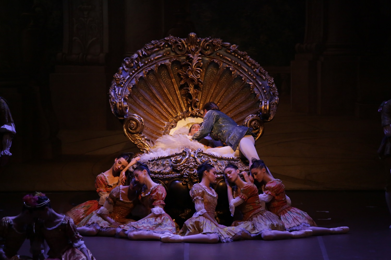 https://www.viva.gr/tickets/dance/streaming/i-oraia-koimomeni-skala-milanou/