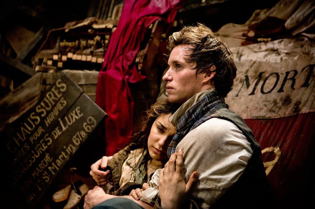 O Έντι Ρέντμεϊν ως Marius