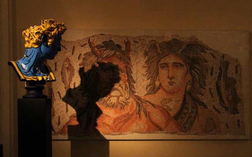 Κατεστραμμένα έργα τέχνης σε μουσείο που βρίσκεται κοντά στο λιμάνι, φωτογραφία: Villa Audi
