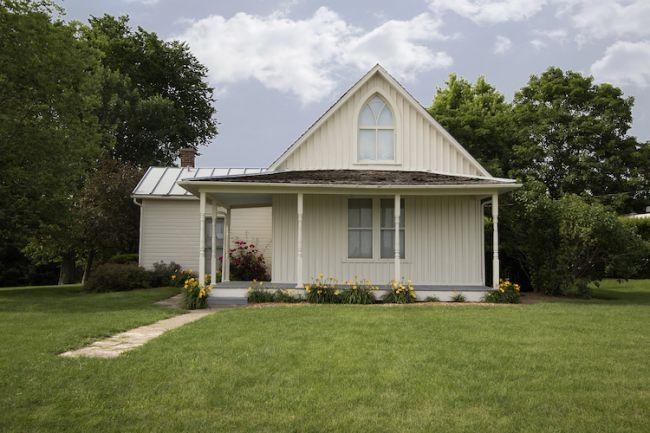 American Gothic house in Eldon, Iowa / © Scott Cornell