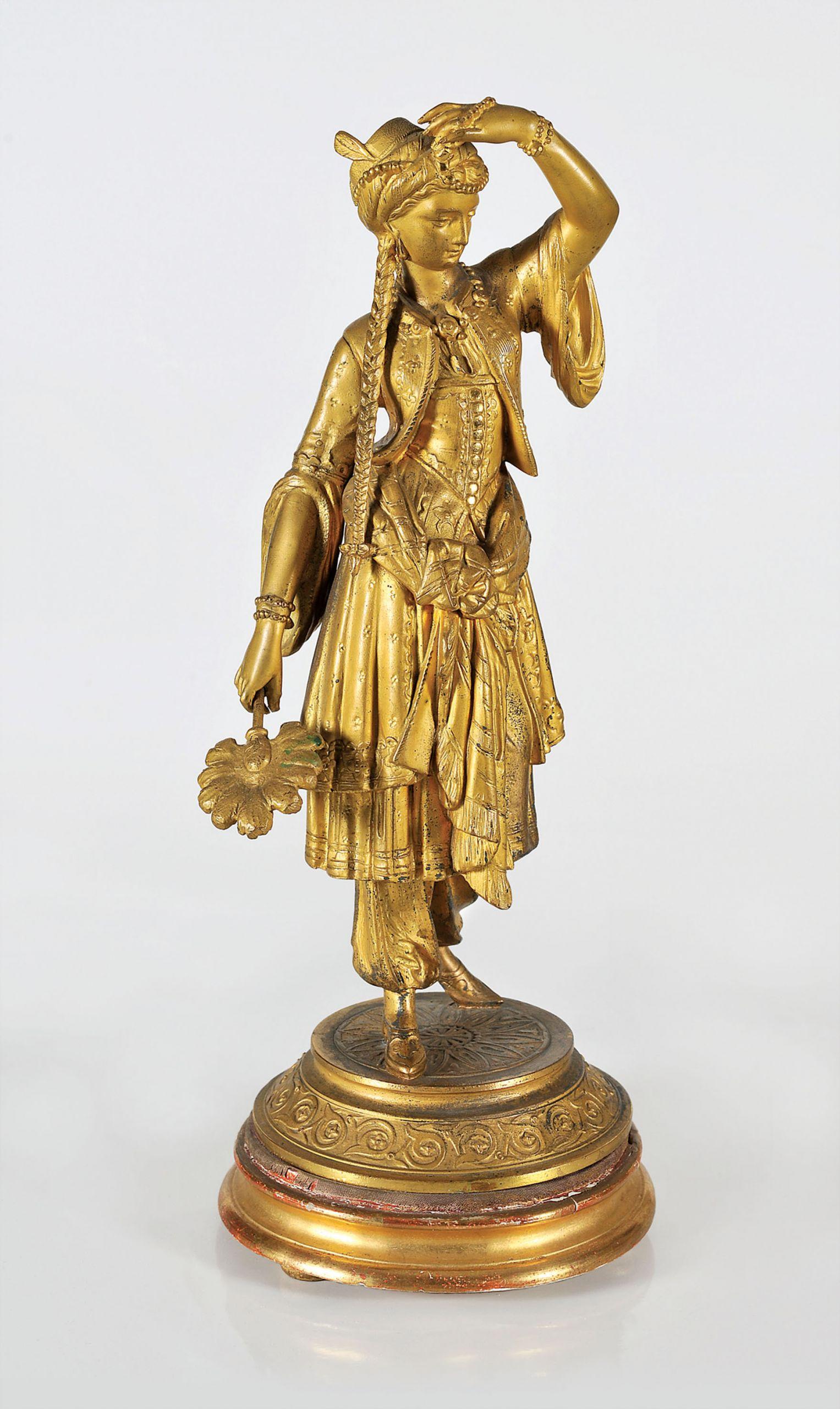 Ελληνίδα, Αγαλματίδιο από επιχρυσωμένο μπρούτζο, ύφος 53 εκ., Συλλογή Μιχάλη και Δήμητρας Βαρκαράκη