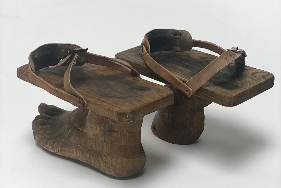 Kaari Upson, False Foot (Dakis left Donkey right), 2021