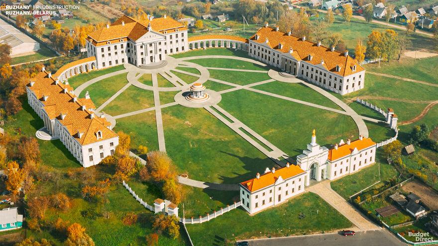 Ruzhany Palace, Λευκορωσία / Image credits: Budget Direct