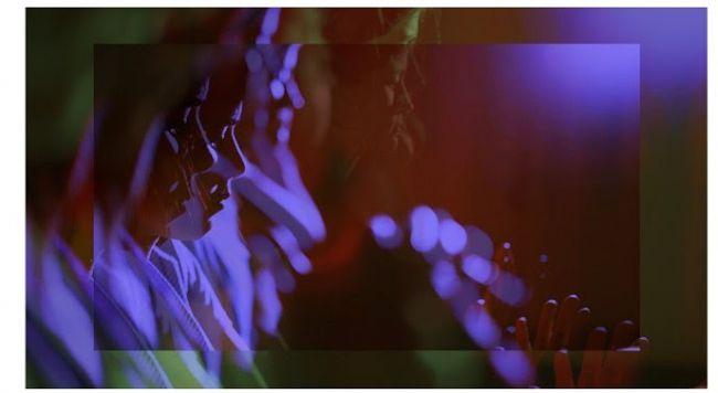 Alexia: Driving with pomegranates - Φωτογραφία του Πάνου Αχουριώτη και του Maxime Gaudet