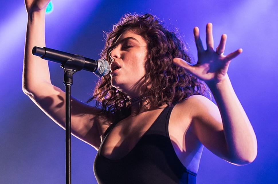 Lorde, photo credits: Krists Luhaers