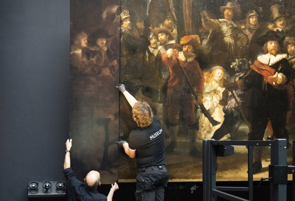 Η διαδικασία αποκατάστασης του 'Νυχτερινή Περίπολος' του Ρέμπραντ. Photo: Rijksmuseum/Reinier Gerritsen.
