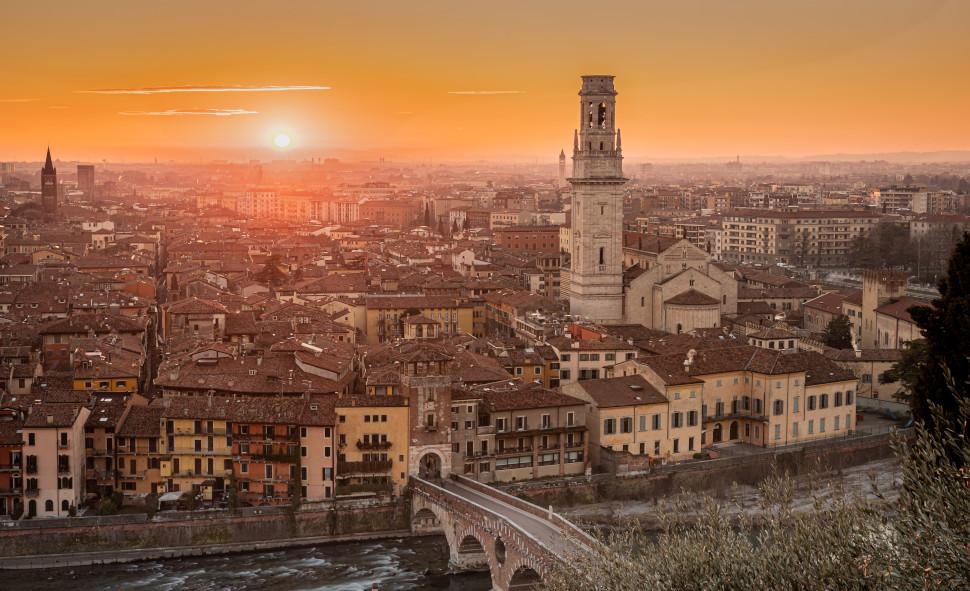 Βερόνα, Ιταλία, photo credits: Alessandro Carrarini on Unsplash