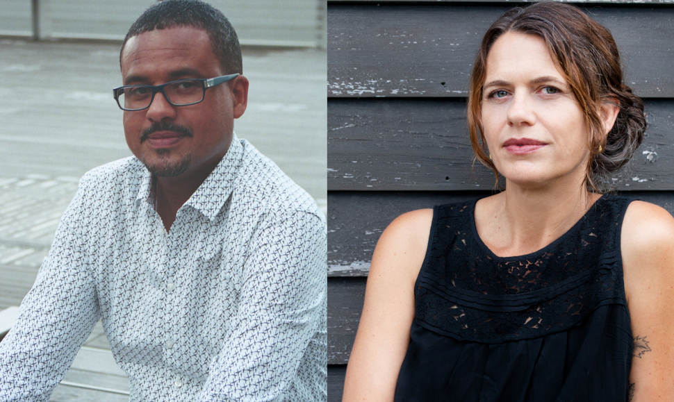 Ο νικητής του Διεθνούς Βραβείου Booker 2021, Νταβίντ Ντιόπ, photo credits: FUGACES/Alice Joulot , και η μεταφράστρια του βιβλίου Anna Moschovakis, photo credits: Heather Phelps-Lipton