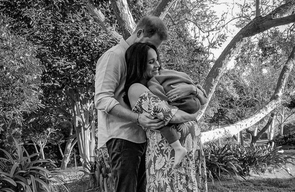 Ο Πρίγκιπας Χάρι και η Μέγκαν Μαρκλ με το πρώτο τους παιδί, Άρτσι, φωτογραφία: Instagram