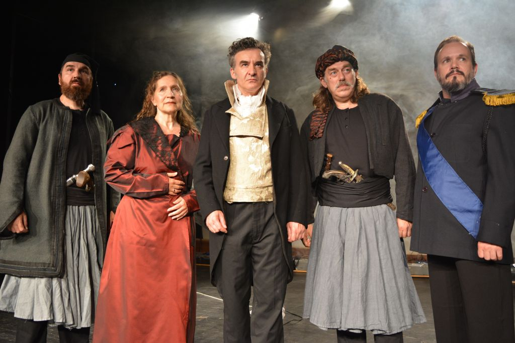 Υλικό Καποδίστριας, του Γιάννη Μαργαρίτη στο Ανοιχτό Θέατρο Κρύας