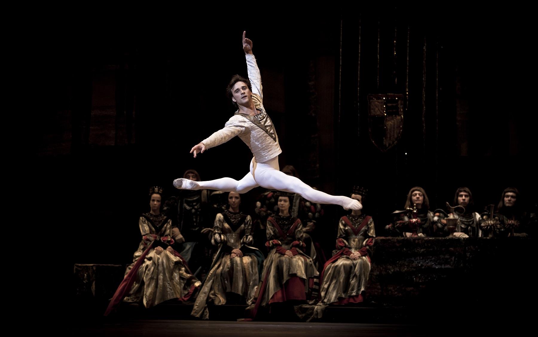 Black Swan - Ο Μαύρος Κύκνος με κορυφαίους χορευτές των μπαλέτων Μπολσόι και Μαριίνσκι