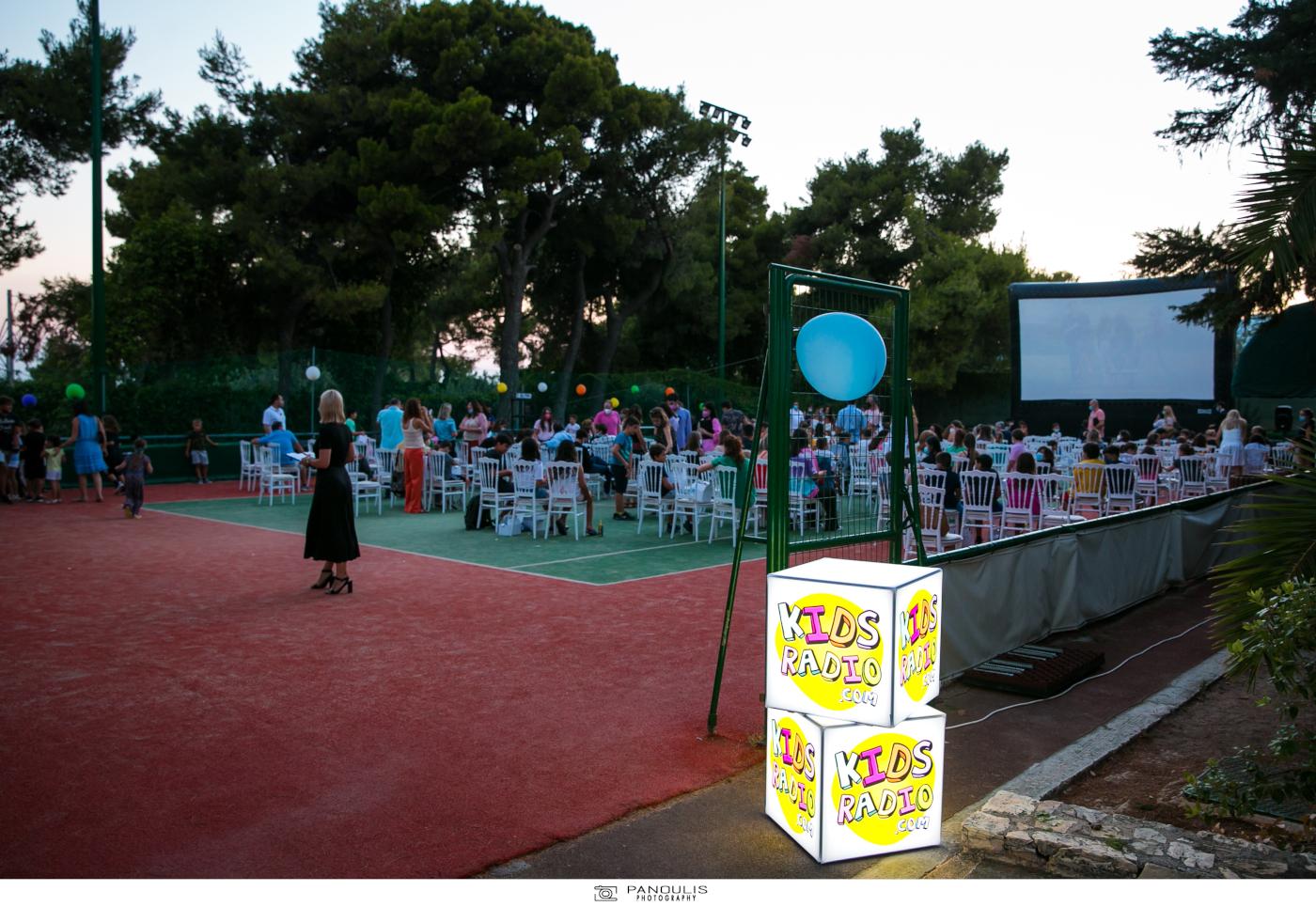 """Το KidsRadio.com ήταν χορηγός επικοινωνίας στην πρεμιέρα της ταινίας """"Λάσι Γύρνα Σπίτι"""" στο Ecali Club"""