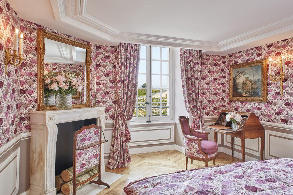 Το δωμάτιο Hardouin-Mansart. Photo courtesy of Airelles Château de Versailles, Le Grand Contrôle.