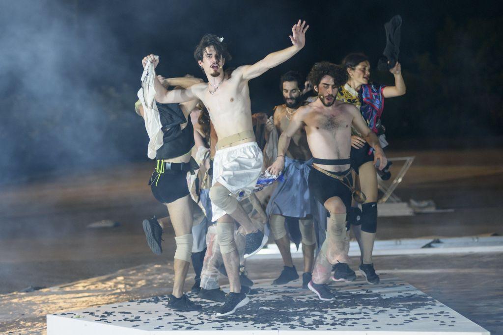 «Ιχνευταί» του Σοφοκλή, σε σκηνοθεσία Μιχαήλ Μαρμαρινού, στο Αρχαίο Θέατρο Επιδαύρου