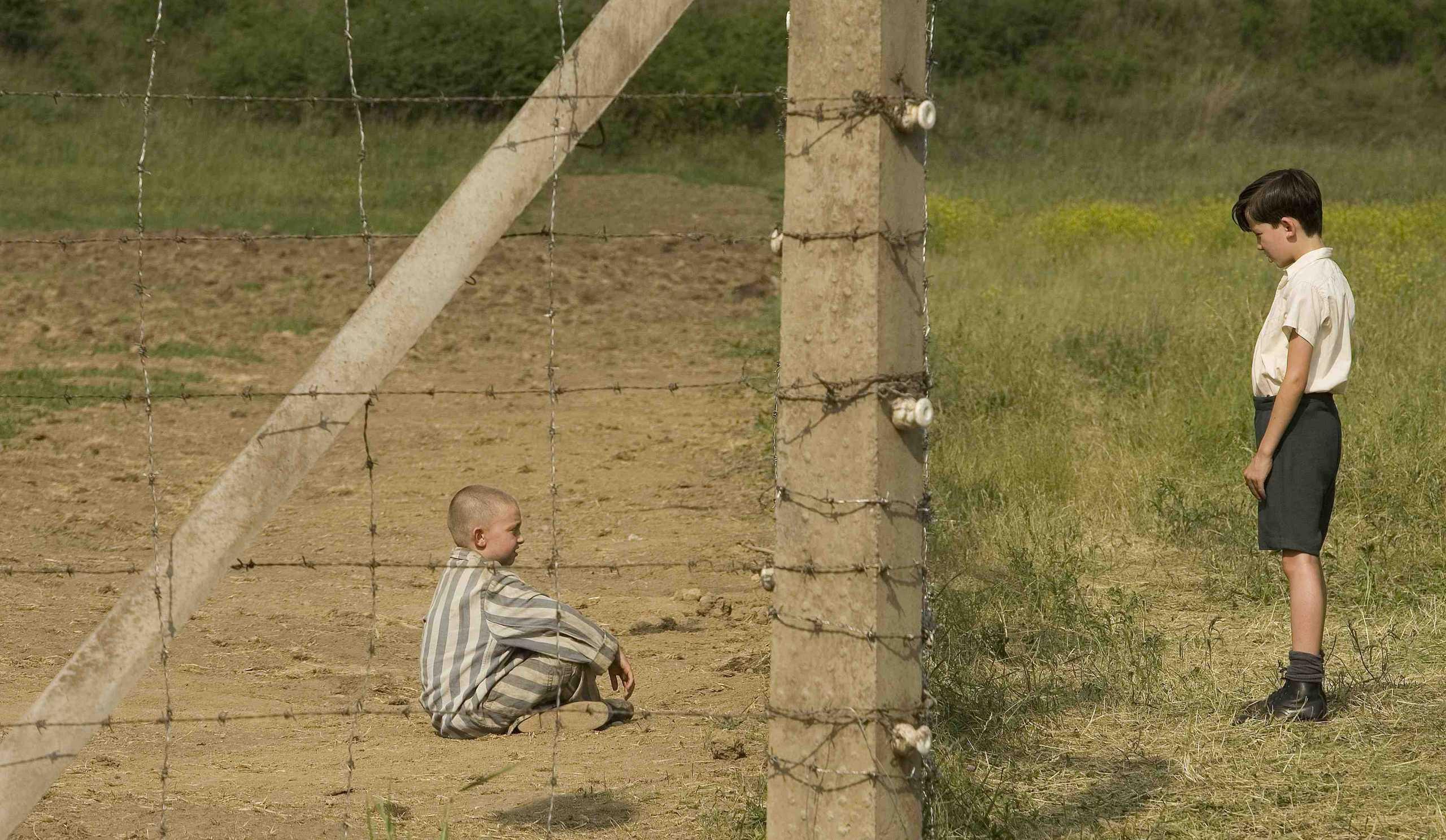 Διεθνής Ημέρα Φιλίας: Πέντε ταινίες που εξυμνούν τη δύναμη της φιλίας the boy in the striped pyjamas fanpop com