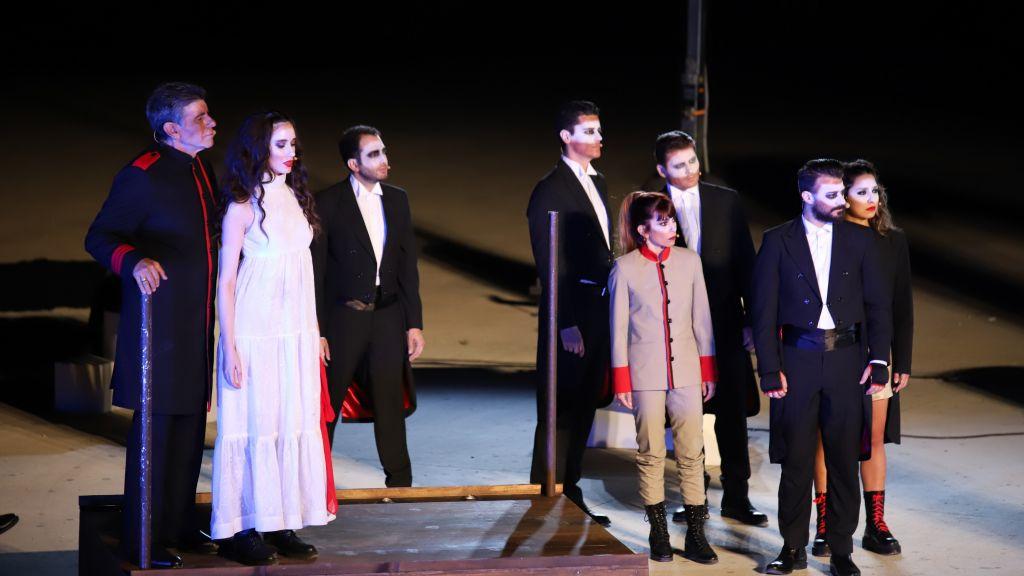 5. «Οθέλλος», σε σκηνοθεσία Αι Χειλάκη και Μ.Δούνια στο Αρχαίο Θέατρο Φιλίππων | Φωτογραφία: Κώστας Γκιόκας