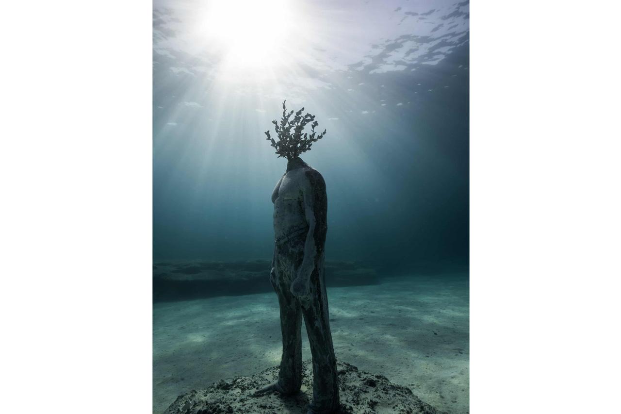 Το υποβρύχιο μουσείο προσπαθεί να τονίσει την σχέση ανθρώπου φύσης. Courtesy of Jason DeCaires Taylor
