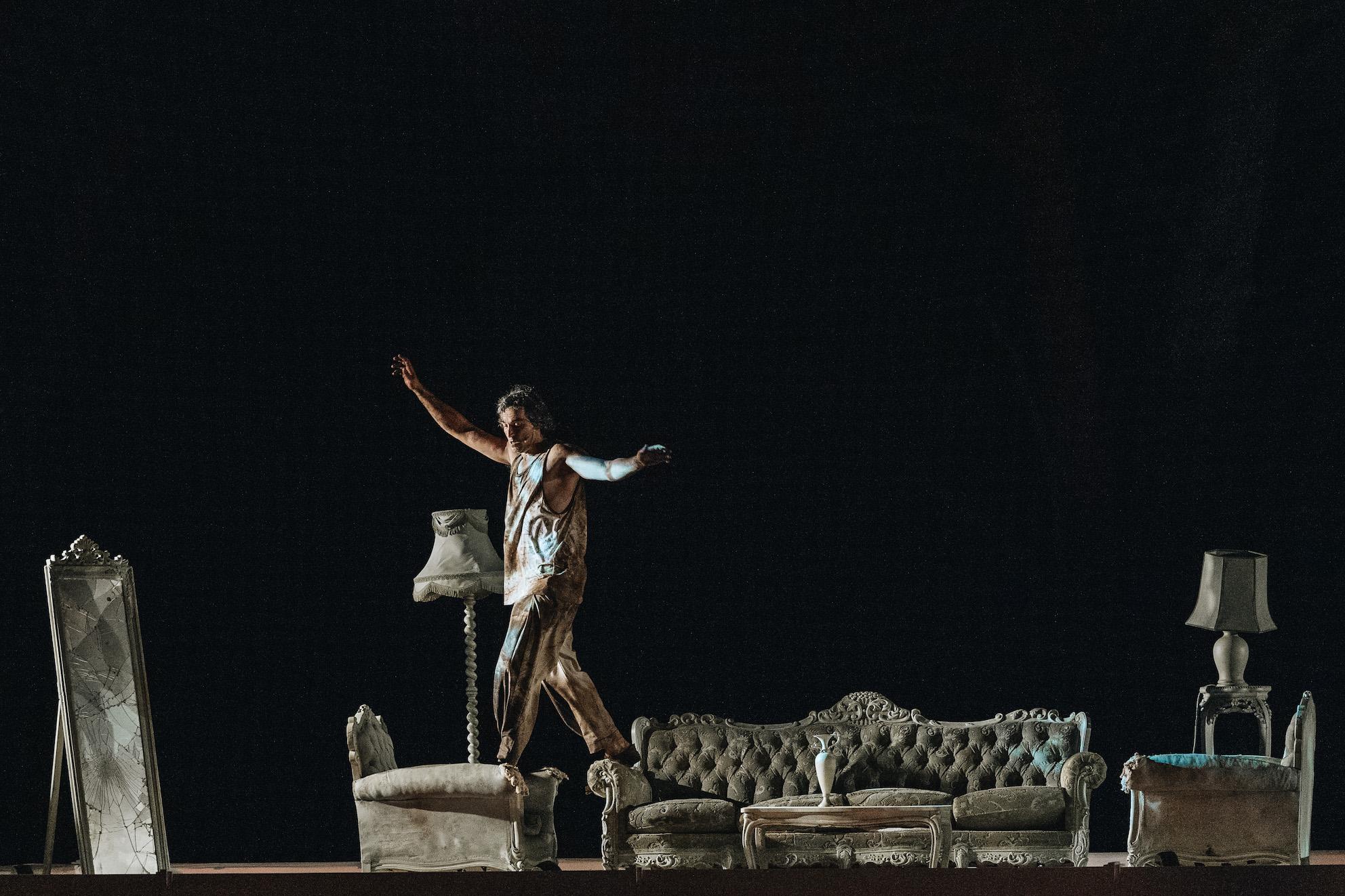 Ορέστης του Ευριπίδη, σε σκηνοθεσία Γιάννη Κακλέα σε θέατρα της Αττικής