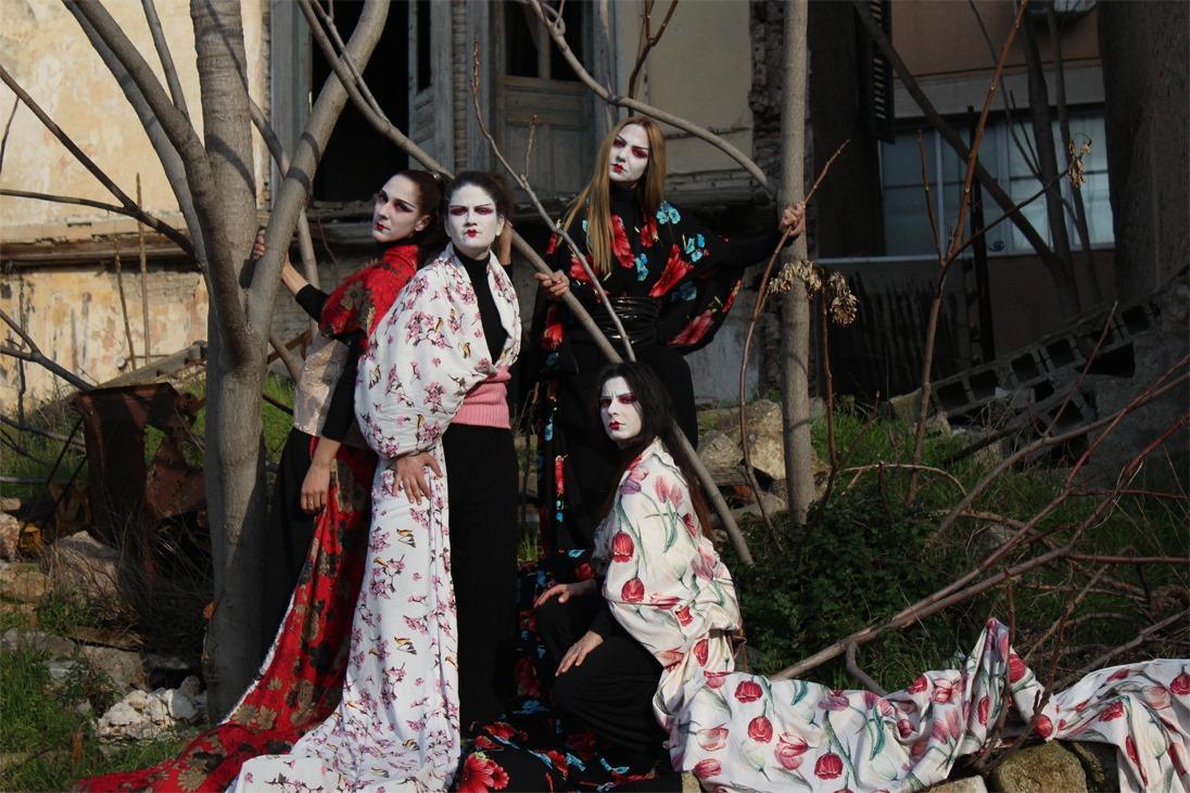 Ιστορίες φαντασμάτων από την Ιαπωνία, από τη Θεατρική Ομάδα Κωφών «Τρελά Χρώματα» στο θέατρο Άβατον