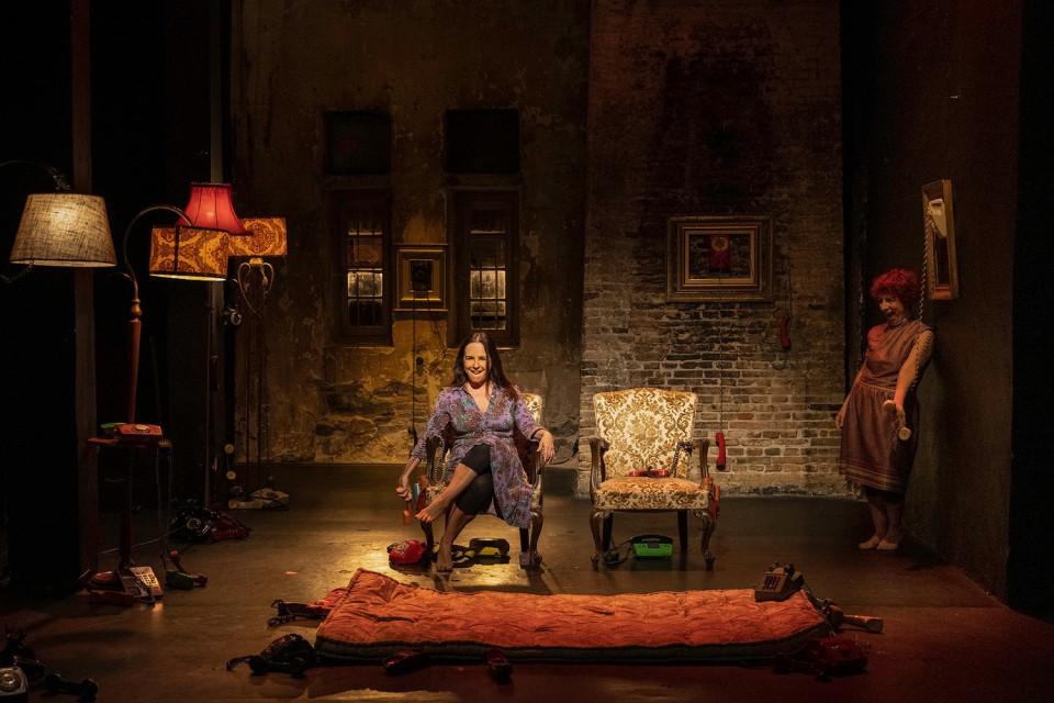 Οι «Φάρσες», σε σκηνοθεσία Όλγας Ποζέλη, στο Θέατρο Φούρνος