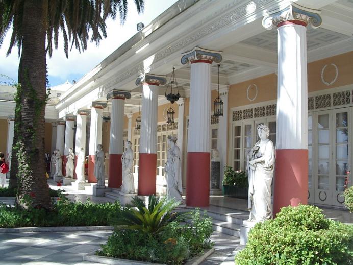 Το Αχίλλειον στην Κέρκυρα. Photo Credits: Wikimedia Commons