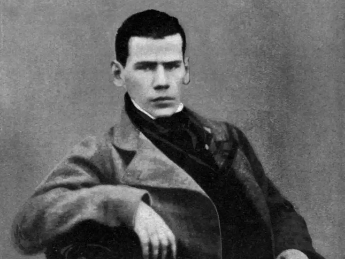 Ο Λέων Τολστόι σε νεαρή ηλικία