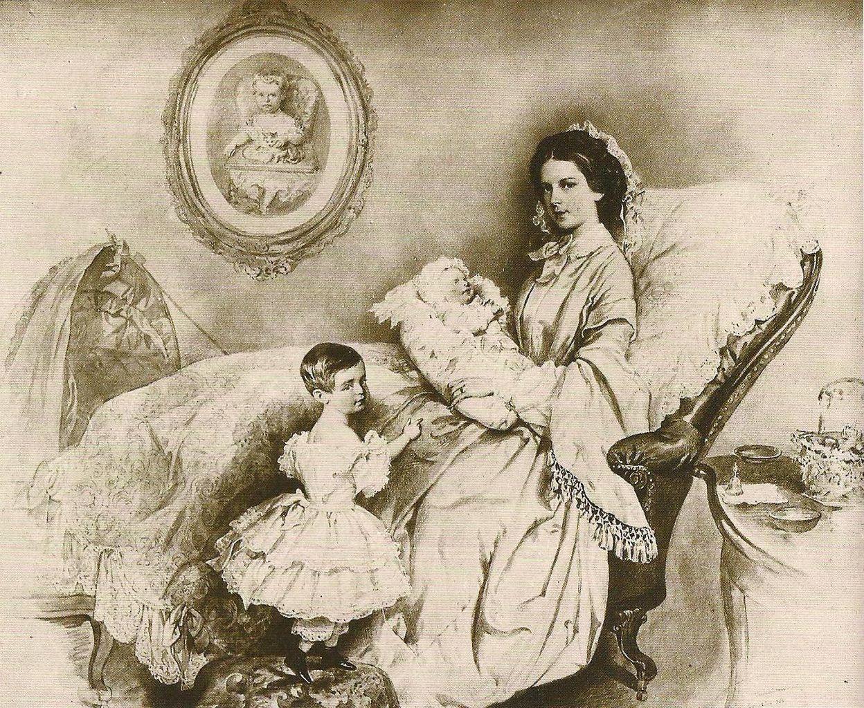 Η πριγκίπισσα Σίσσυ με την κόρη της Γκιζέλα και τον γιο της Ροδόλφο. Photo Credits: Georg Kugler/Wikimedia Commons