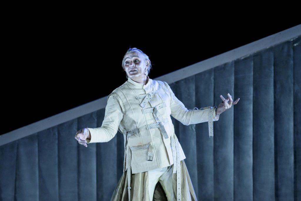 «Βάκχες» του Ευριπίδη, στο Βεάκειο θέατρο